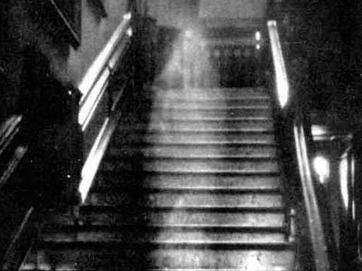 Brown Lady of Raynam Hall, England Ghost Picture